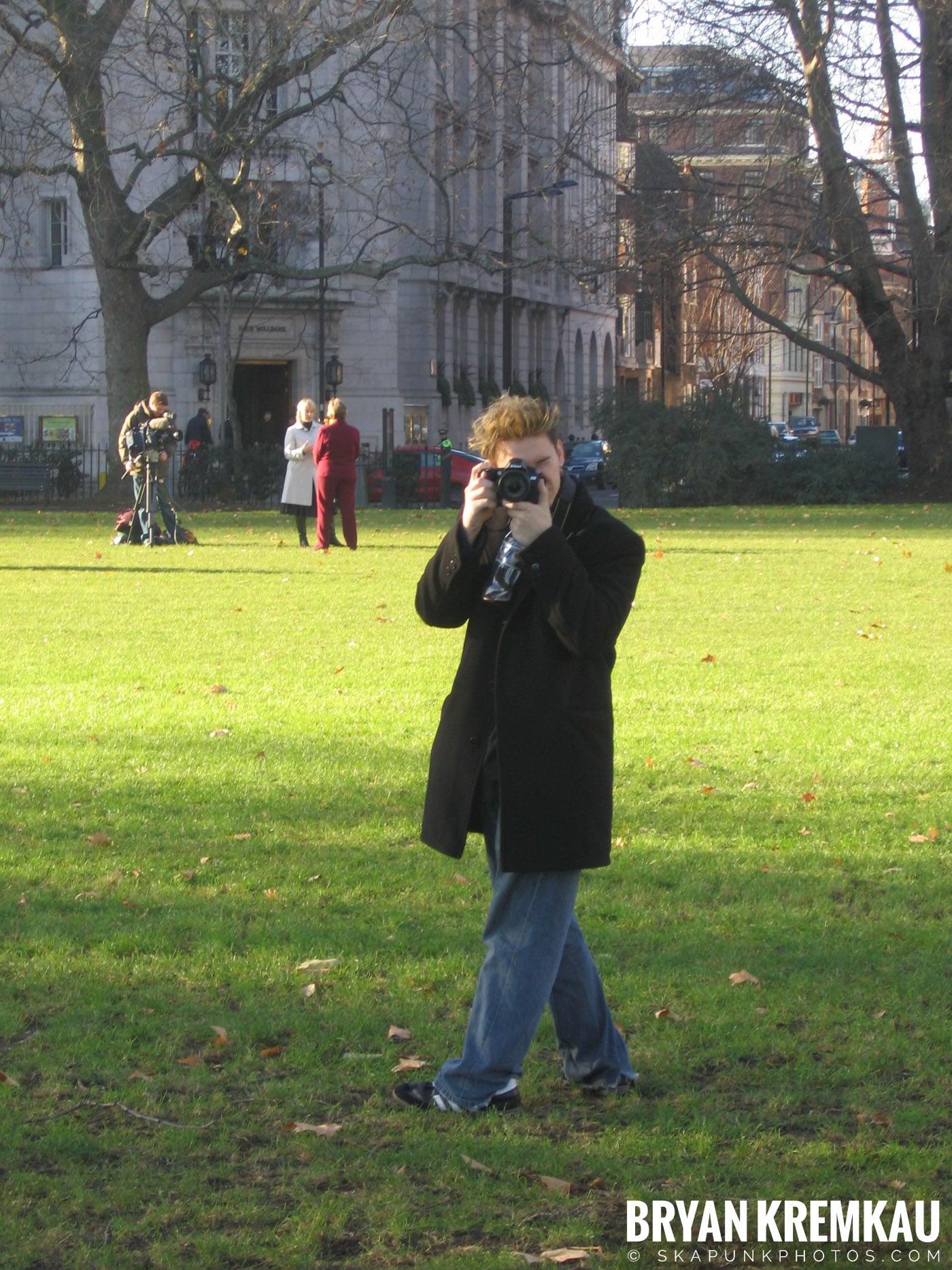 London, England - Day 4 - 12.19.05 (1)