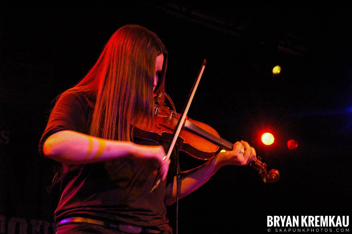 Flogging Molly @ Nokia Theatre, NYC - 2.16.06 (10)