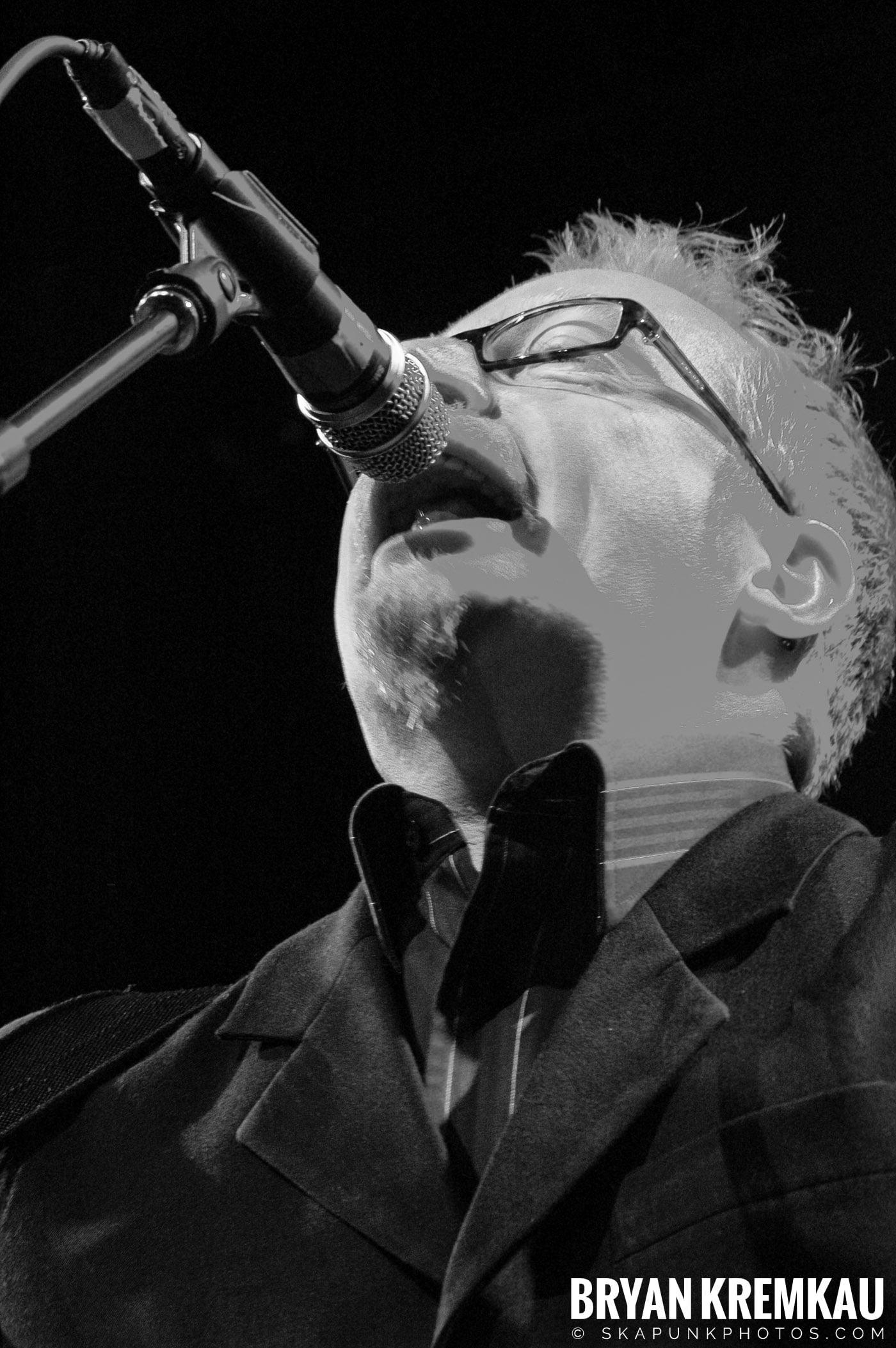 Flogging Molly @ Nokia Theatre, NYC - 2.16.06 (7)