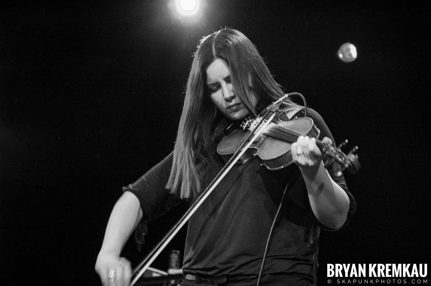 Flogging Molly @ Nokia Theatre, NYC - 2.16.06 (2)