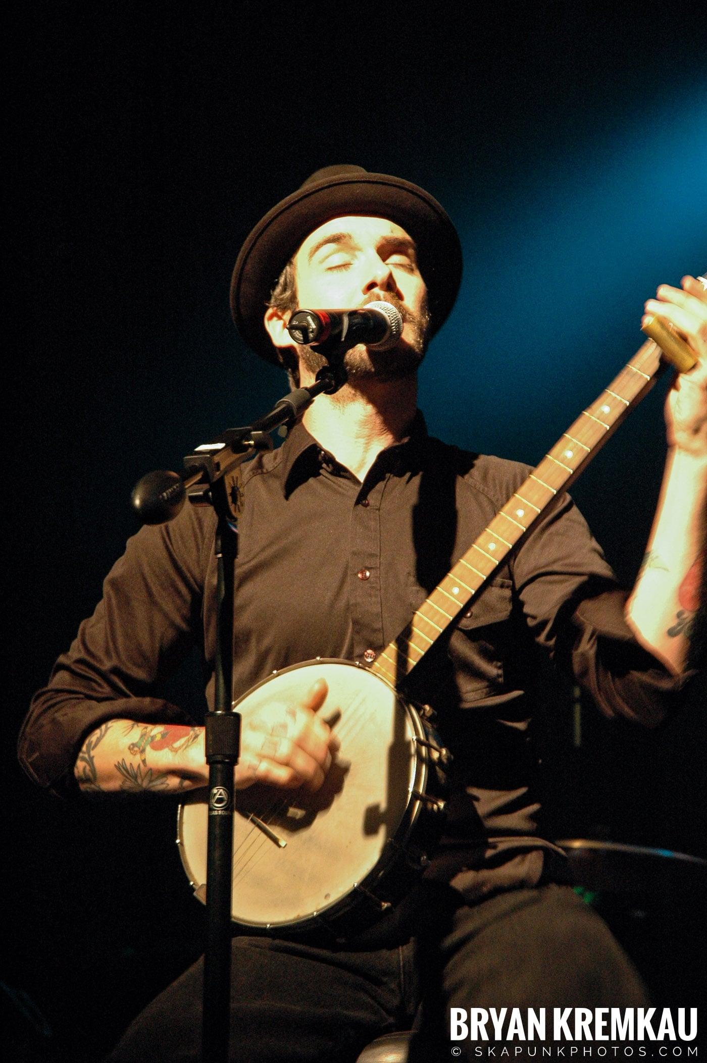 William Elliott Whitmore @ Nokia Theatre, NYC - 3.17.06 (6)