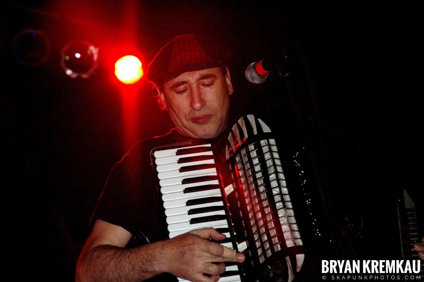 Gogol Bordello @ The Troc, Philadelphia PA - 4.15.06 (26)