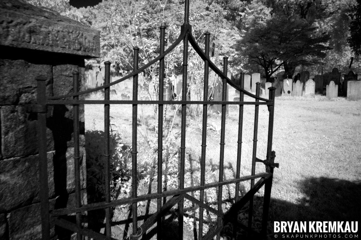 The Old Dutch Church @ Sleepy Hollow, NY - 10.7.06 (15)
