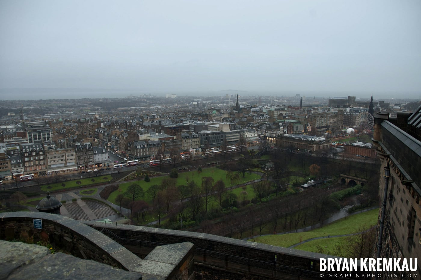 Edinburgh, Scotland - Day 2 - 12.13.06 (27)