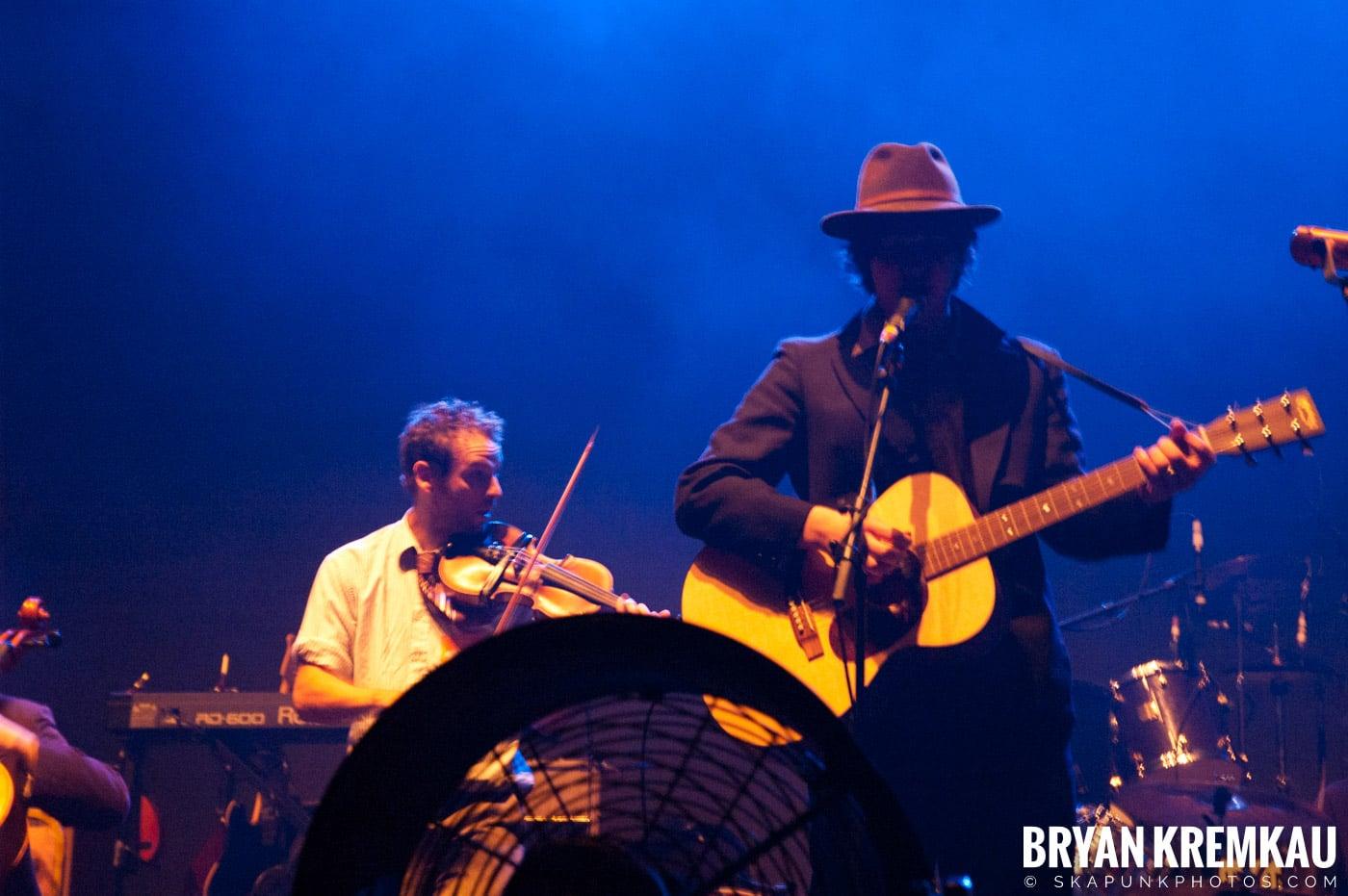 Larrikin Love @ Brixton Academy, London UK - 12.17.06 (7)