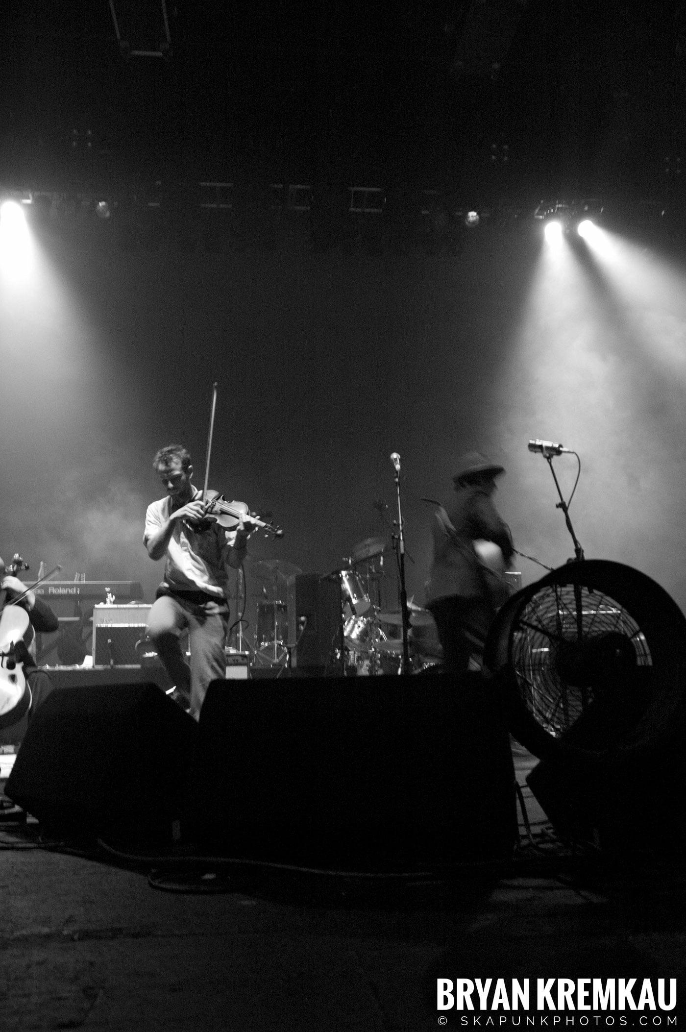 Larrikin Love @ Brixton Academy, London UK - 12.17.06 (5)