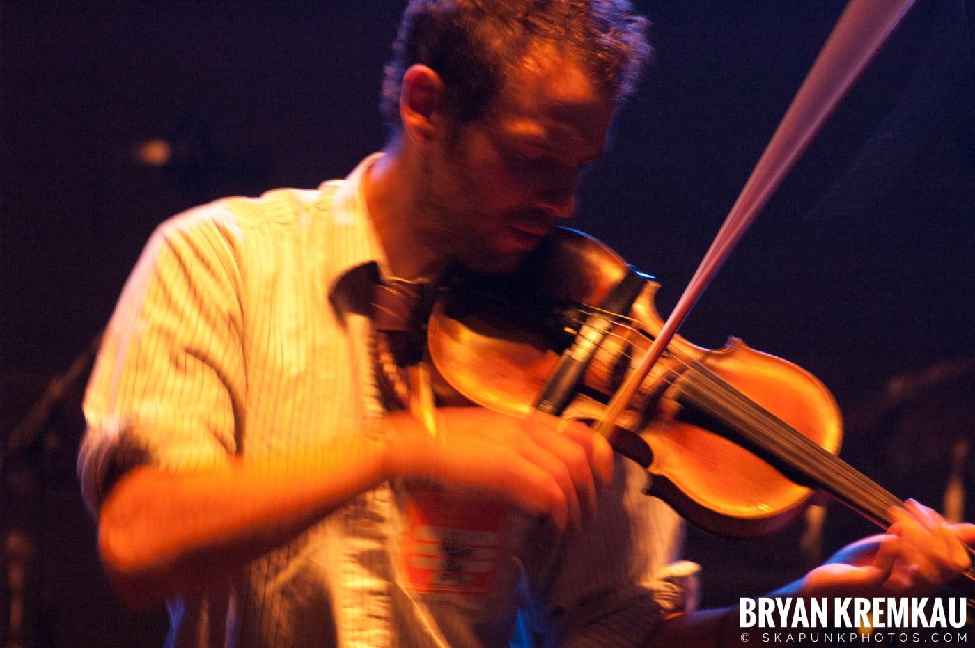 Larrikin Love @ Brixton Academy, London UK - 12.17.06 (8)