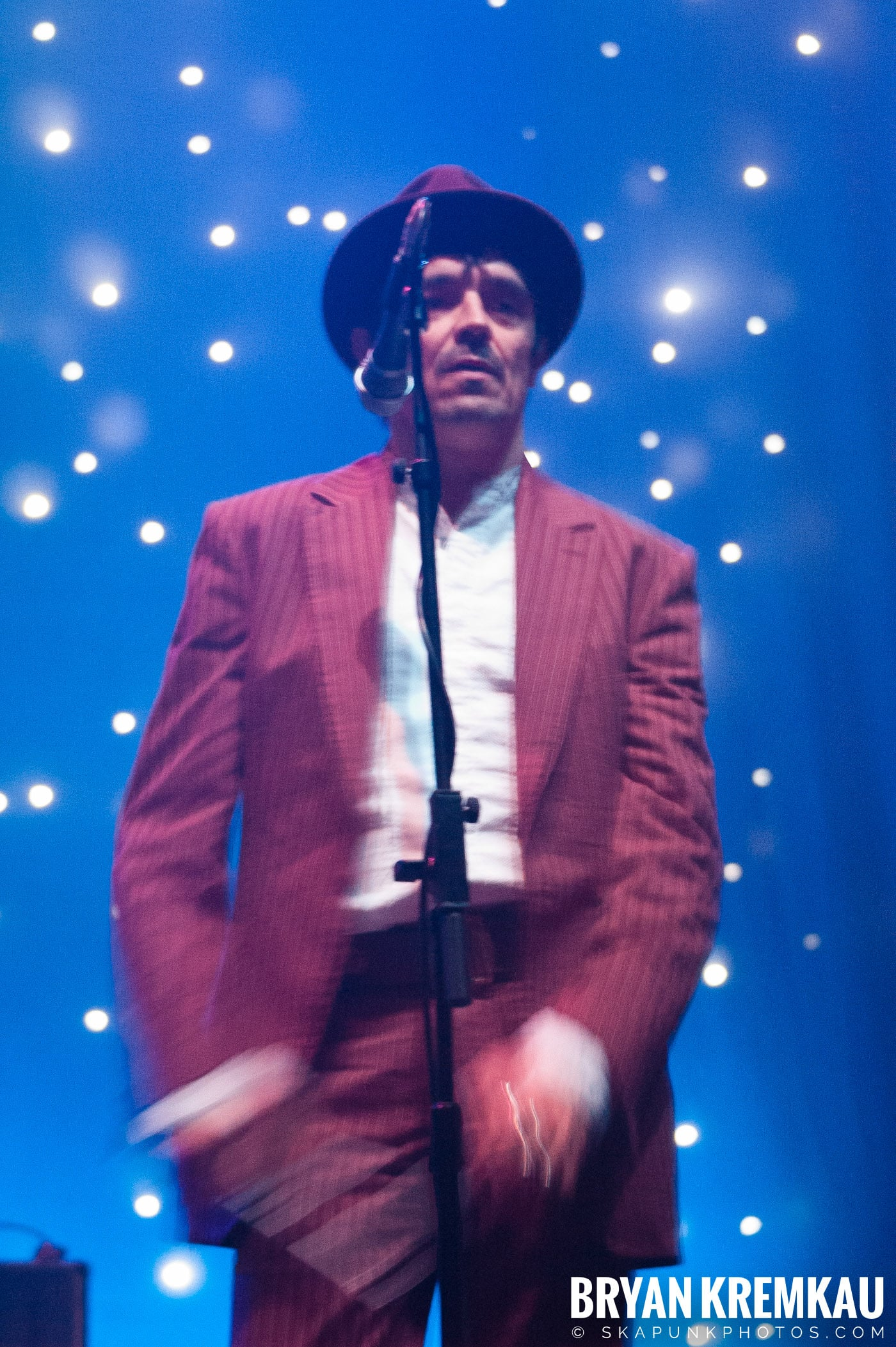 The Pogues @ Brixton Academy, London UK - 12.17.06 (11)