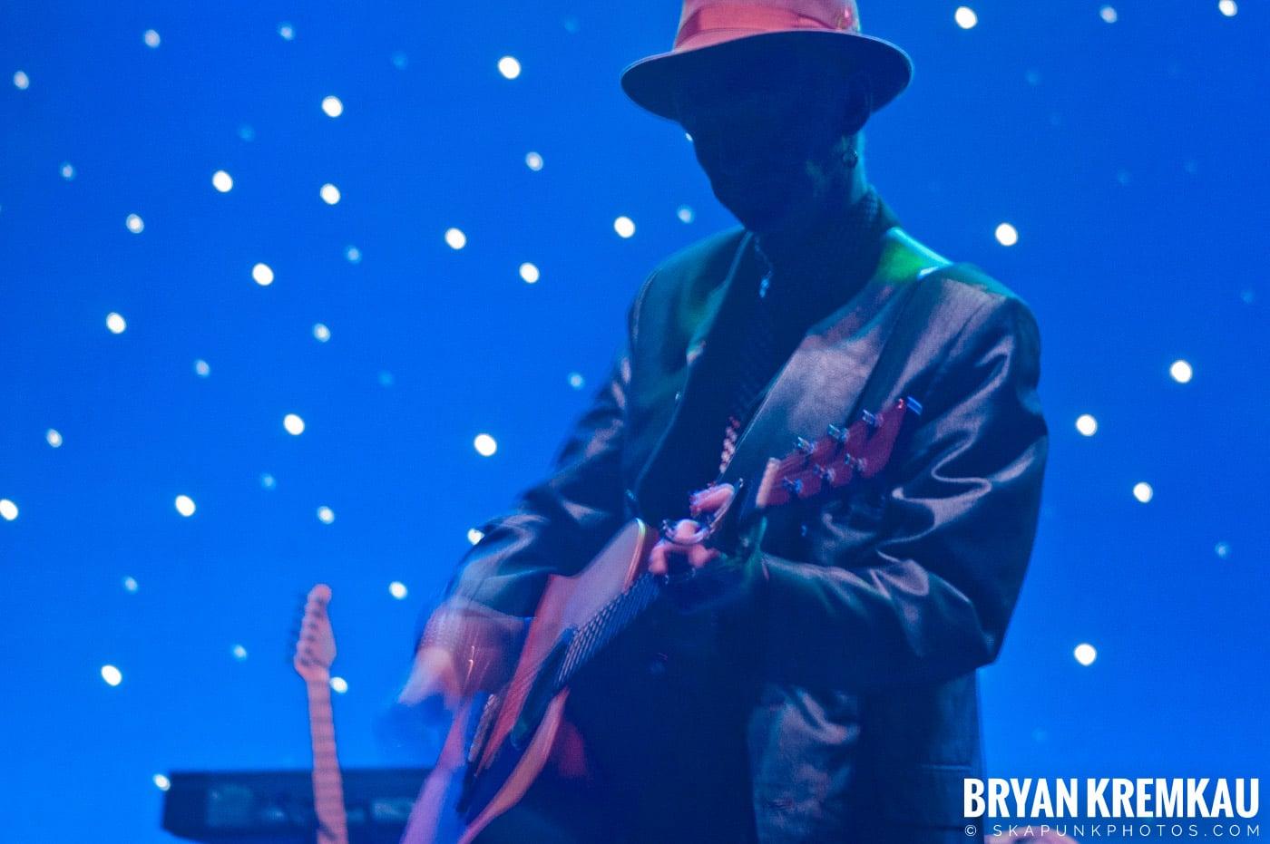 The Pogues @ Brixton Academy, London UK - 12.17.06 (10)