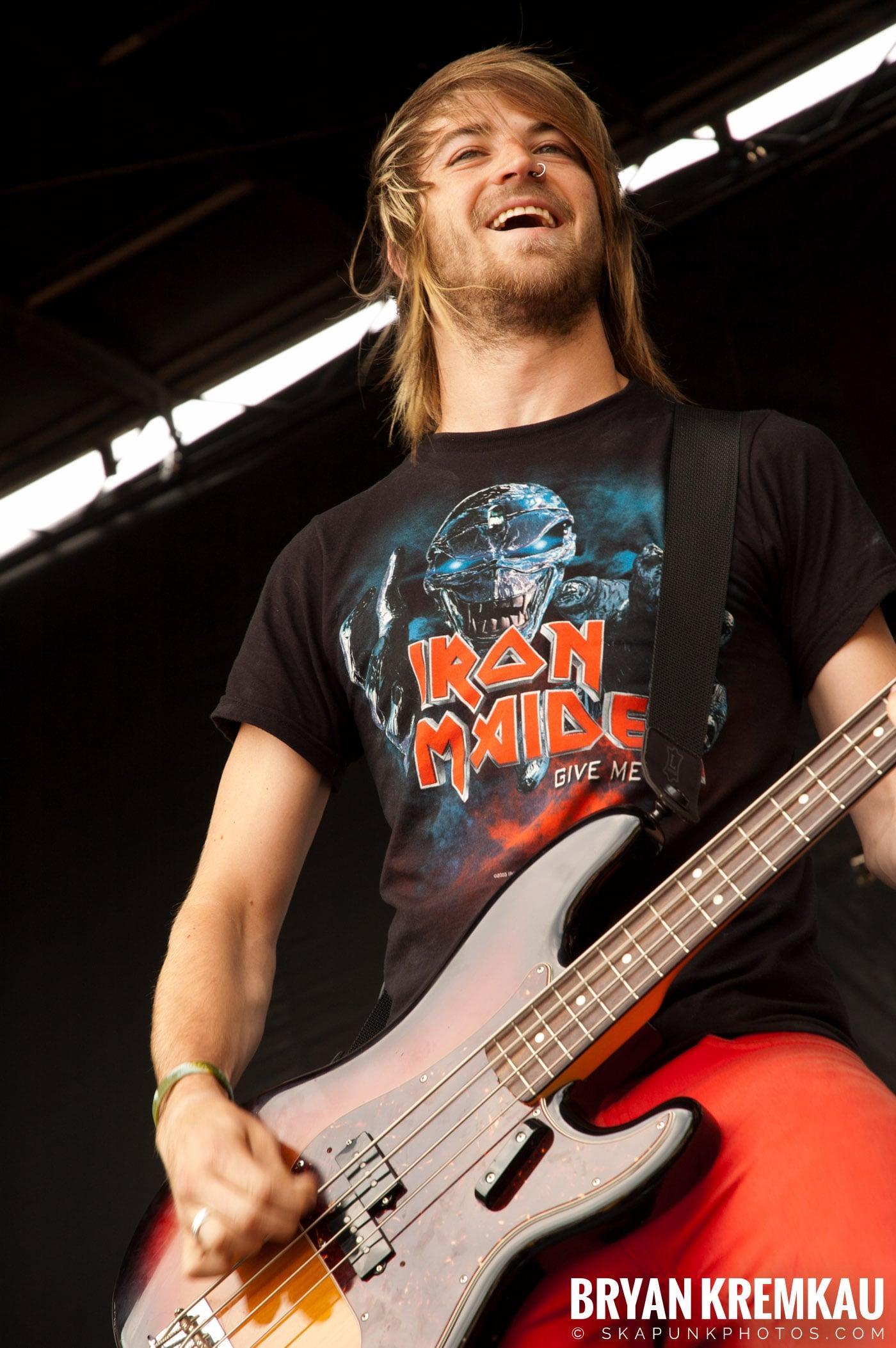 Paramore @ Warped Tour 2007, Scranton PA - 7.26.07 (9)
