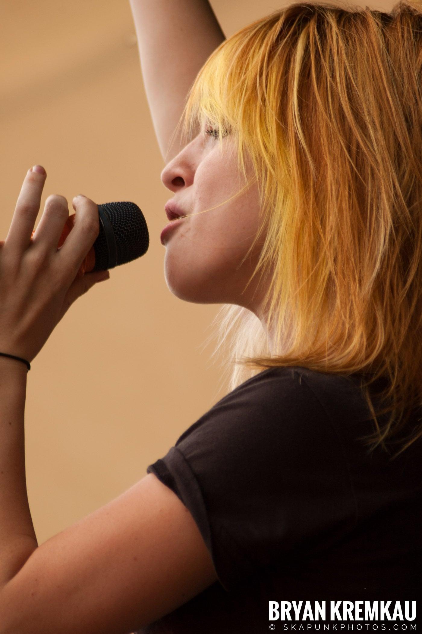 Paramore @ Warped Tour 2007, Scranton PA - 7.26.07 (7)