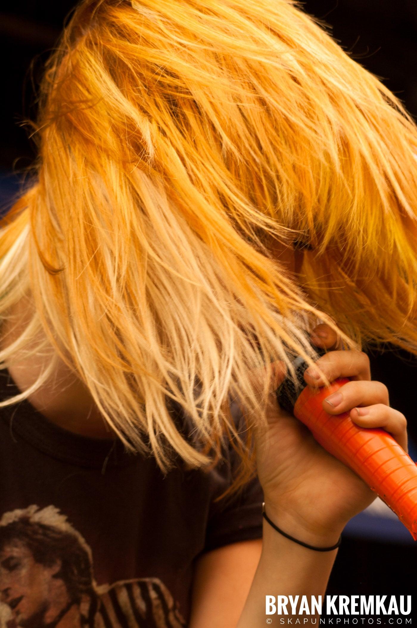Paramore @ Warped Tour 2007, Scranton PA - 7.26.07 (3)