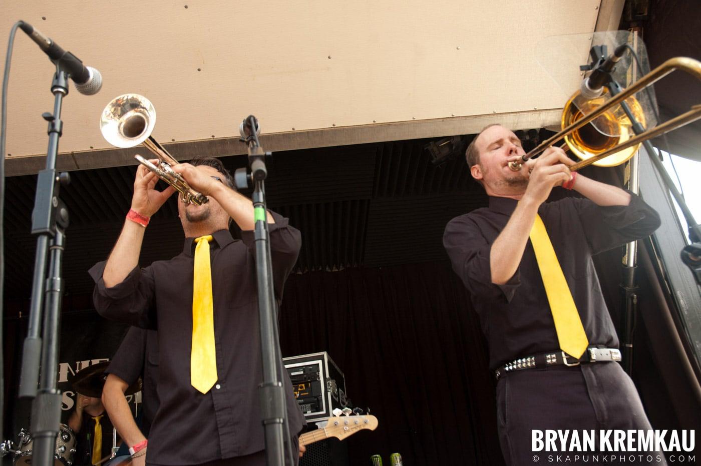 Mustard Plug @ Warped Tour 2007, Scranton PA - 7.26.07 (12)