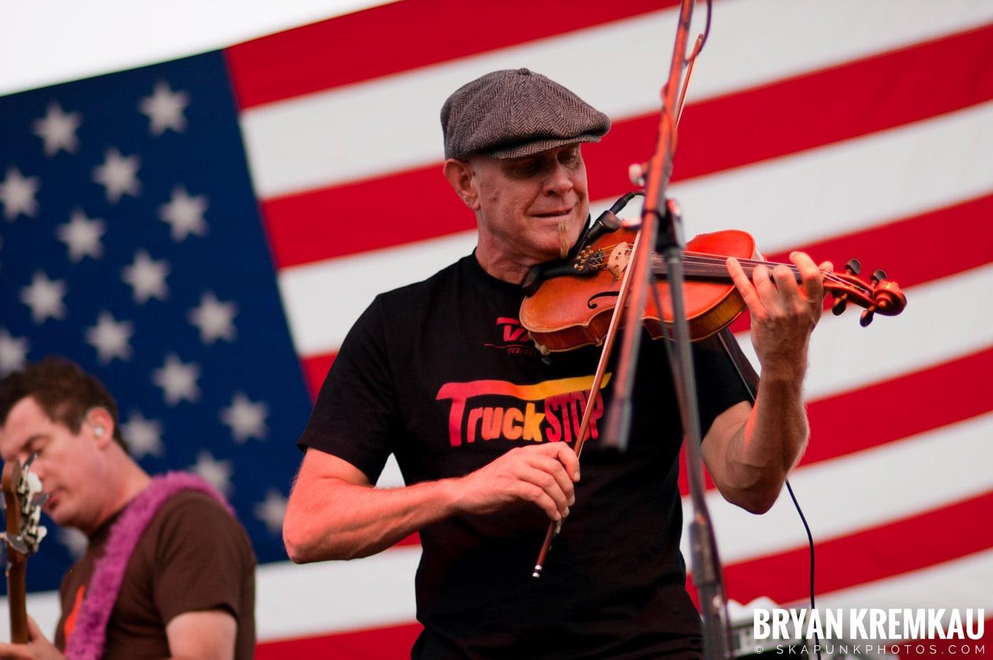 The Young Dubliners @ Burlington County Amphitheater, Burlington, NJ - 8.19.07 (29)