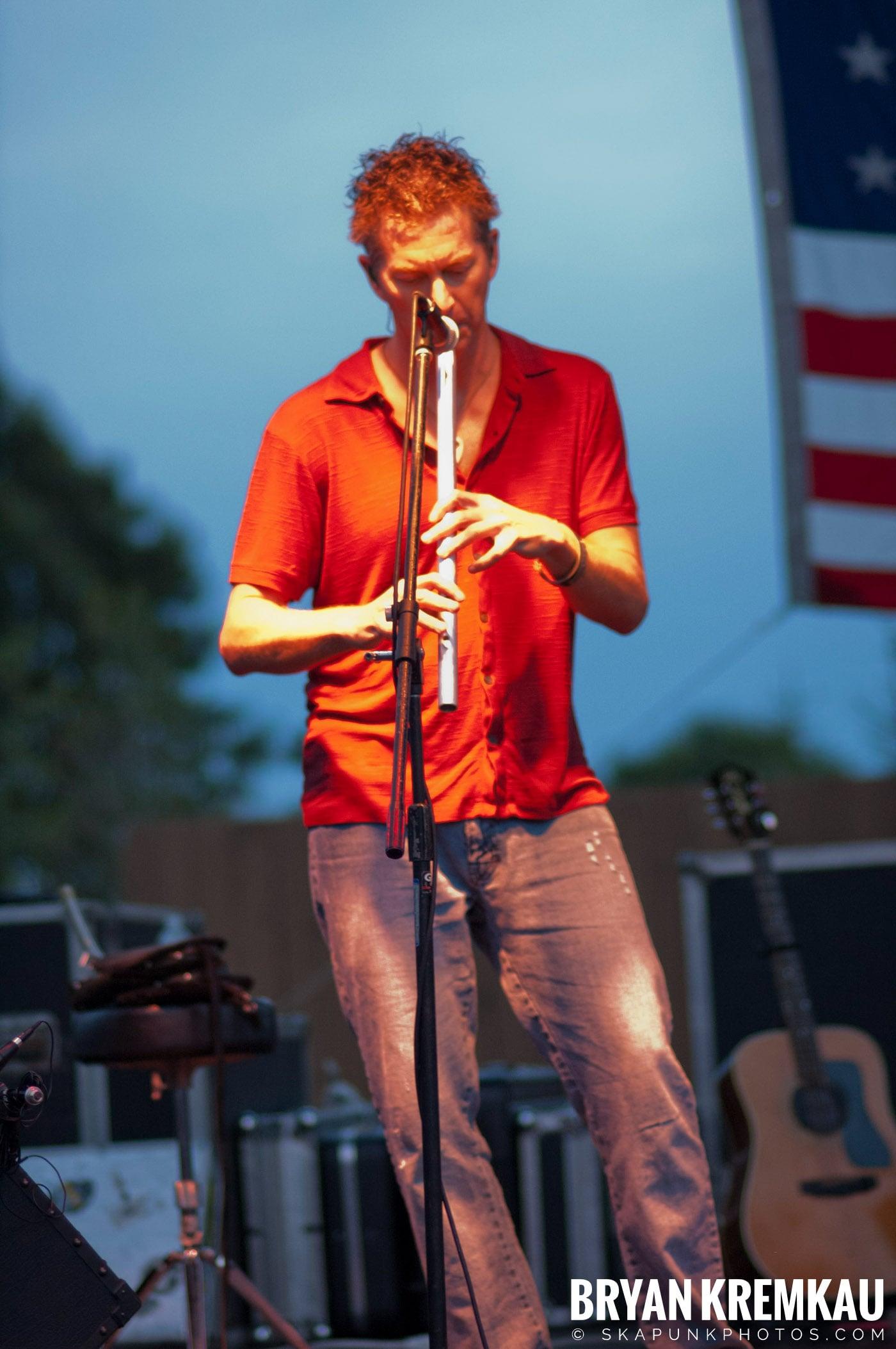 The Young Dubliners @ Burlington County Amphitheater, Burlington, NJ - 8.19.07 (13)