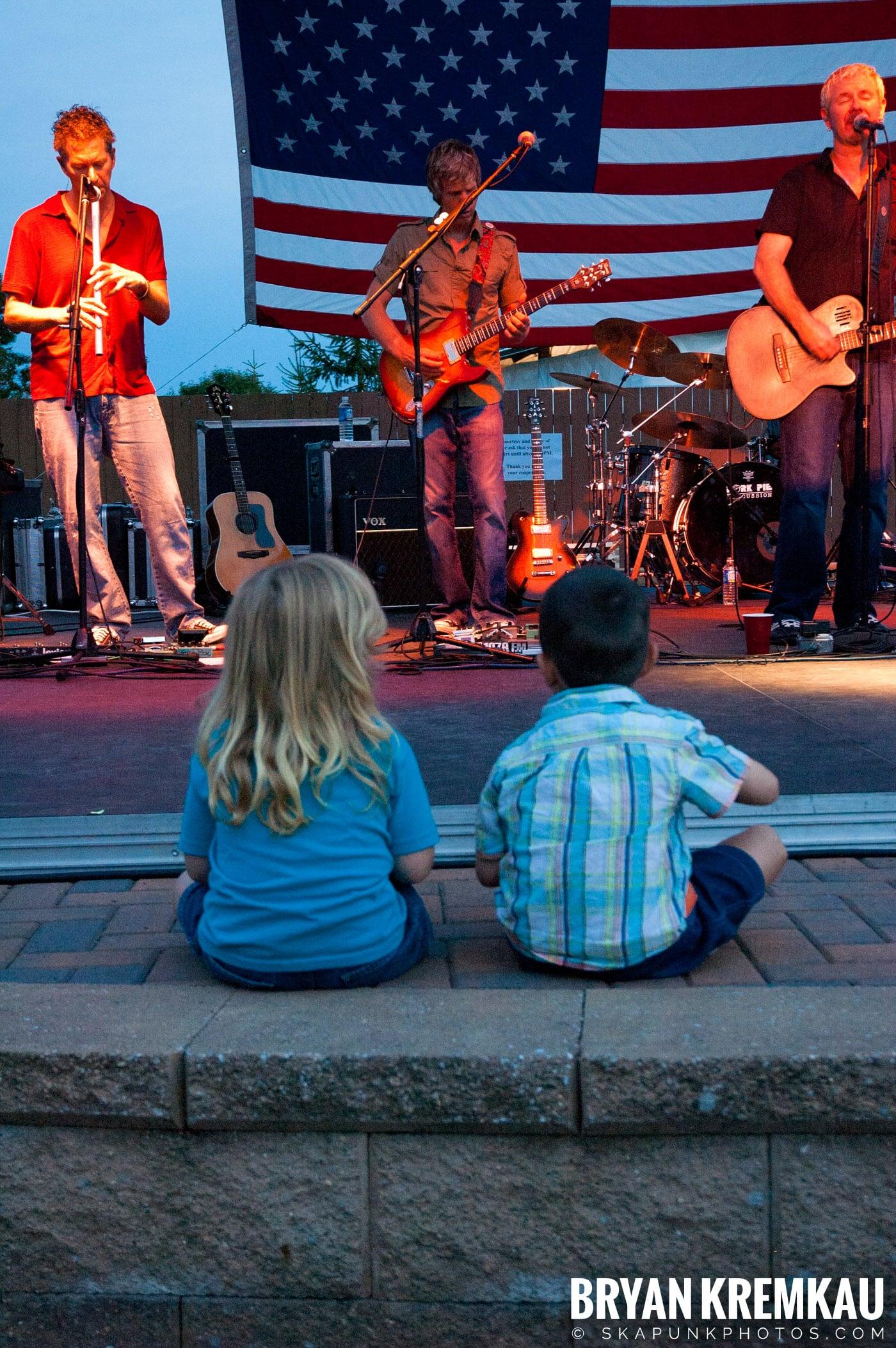 The Young Dubliners @ Burlington County Amphitheater, Burlington, NJ - 8.19.07 (11)