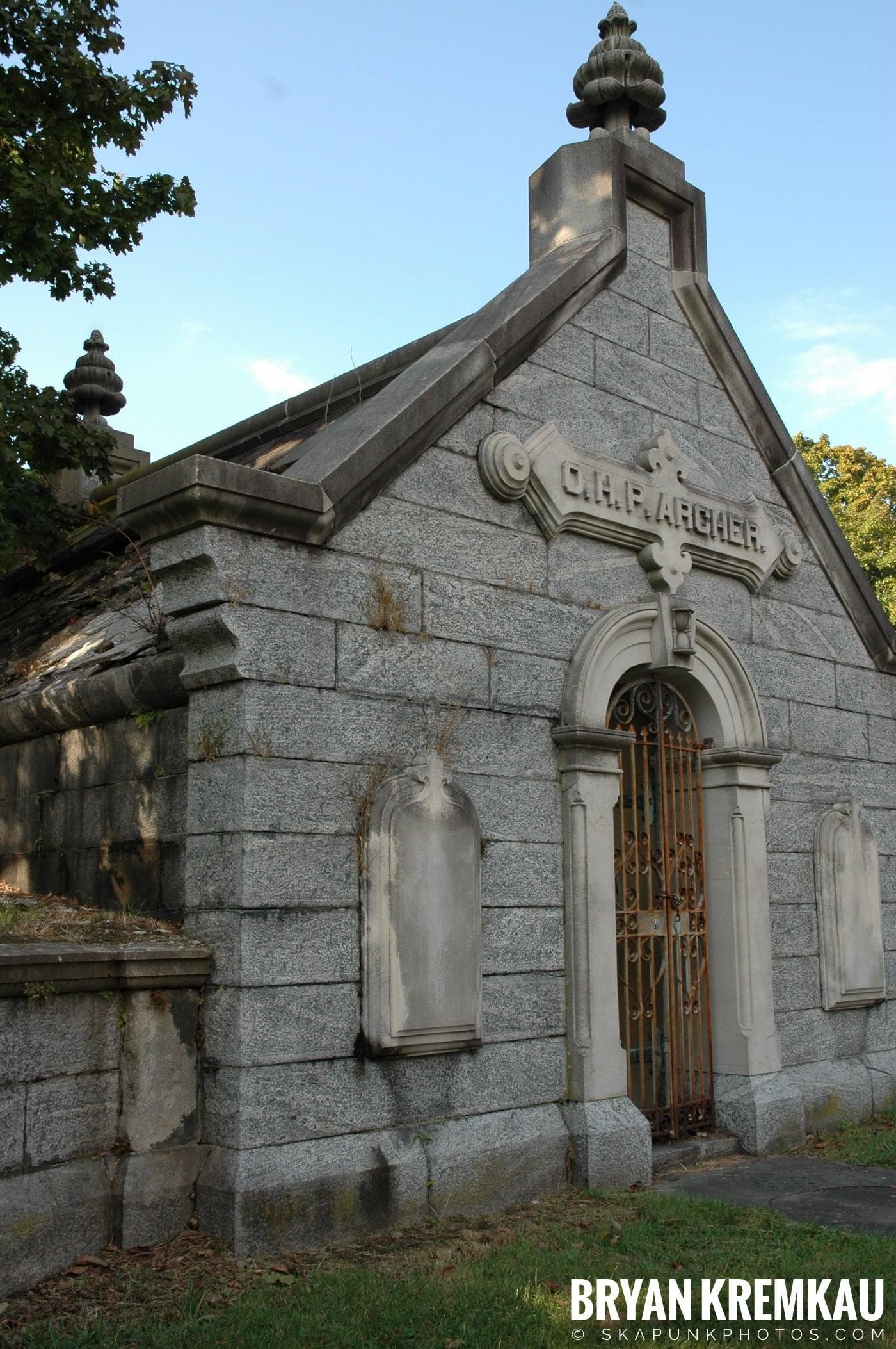 The Old Dutch Church & Lyndhurst Mansion @ Sleepy Hollow/Tarrytown, NY - 10.20.07 (17)