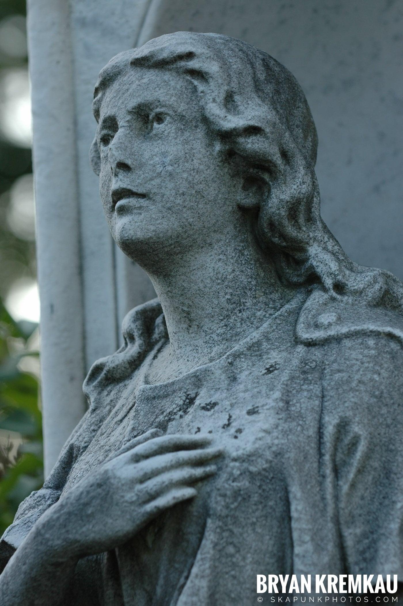 The Old Dutch Church & Lyndhurst Mansion @ Sleepy Hollow/Tarrytown, NY - 10.20.07 (15)
