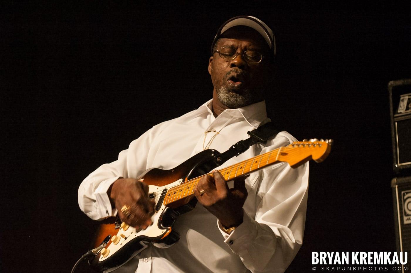 Lloyd Parks @ Vintage Reggae Fest - Hammerstein Ballroom, NYC - 12.16.2007 (4)