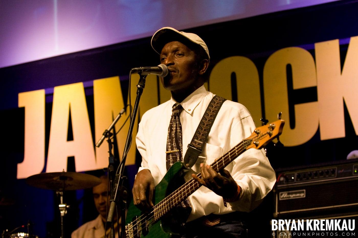 Lloyd Parks @ Vintage Reggae Fest - Hammerstein Ballroom, NYC - 12.16.2007 (3)