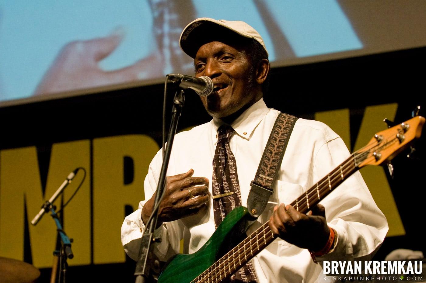 Lloyd Parks @ Vintage Reggae Fest - Hammerstein Ballroom, NYC - 12.16.2007 (2)