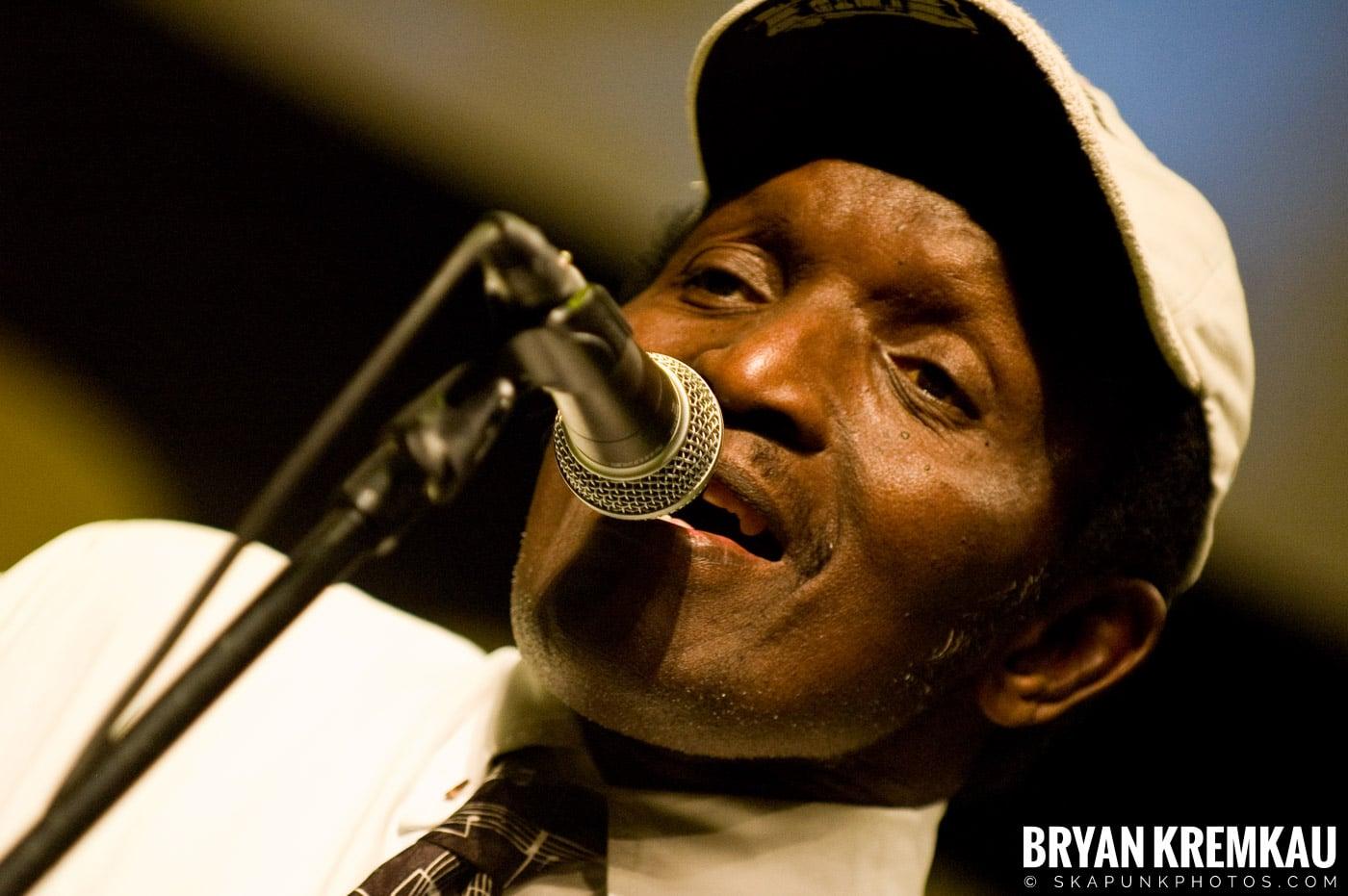 Lloyd Parks @ Vintage Reggae Fest - Hammerstein Ballroom, NYC - 12.16.2007 (1)