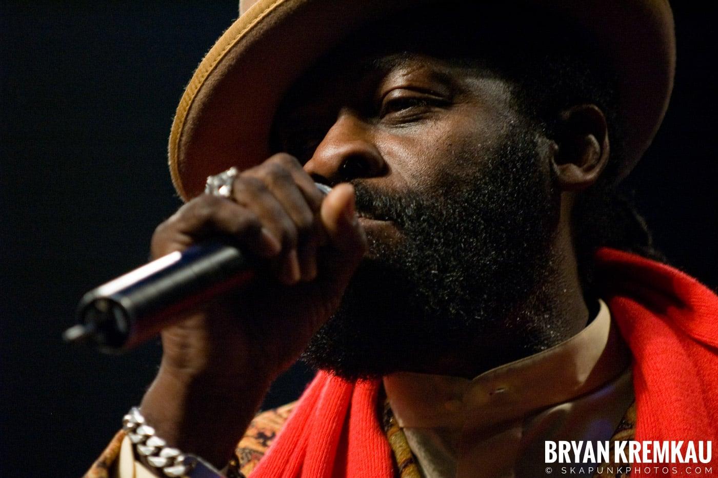 Jimmy Riley @ Vintage Reggae Fest - Hammerstein Ballroom, NYC - 12.16.07 (10)