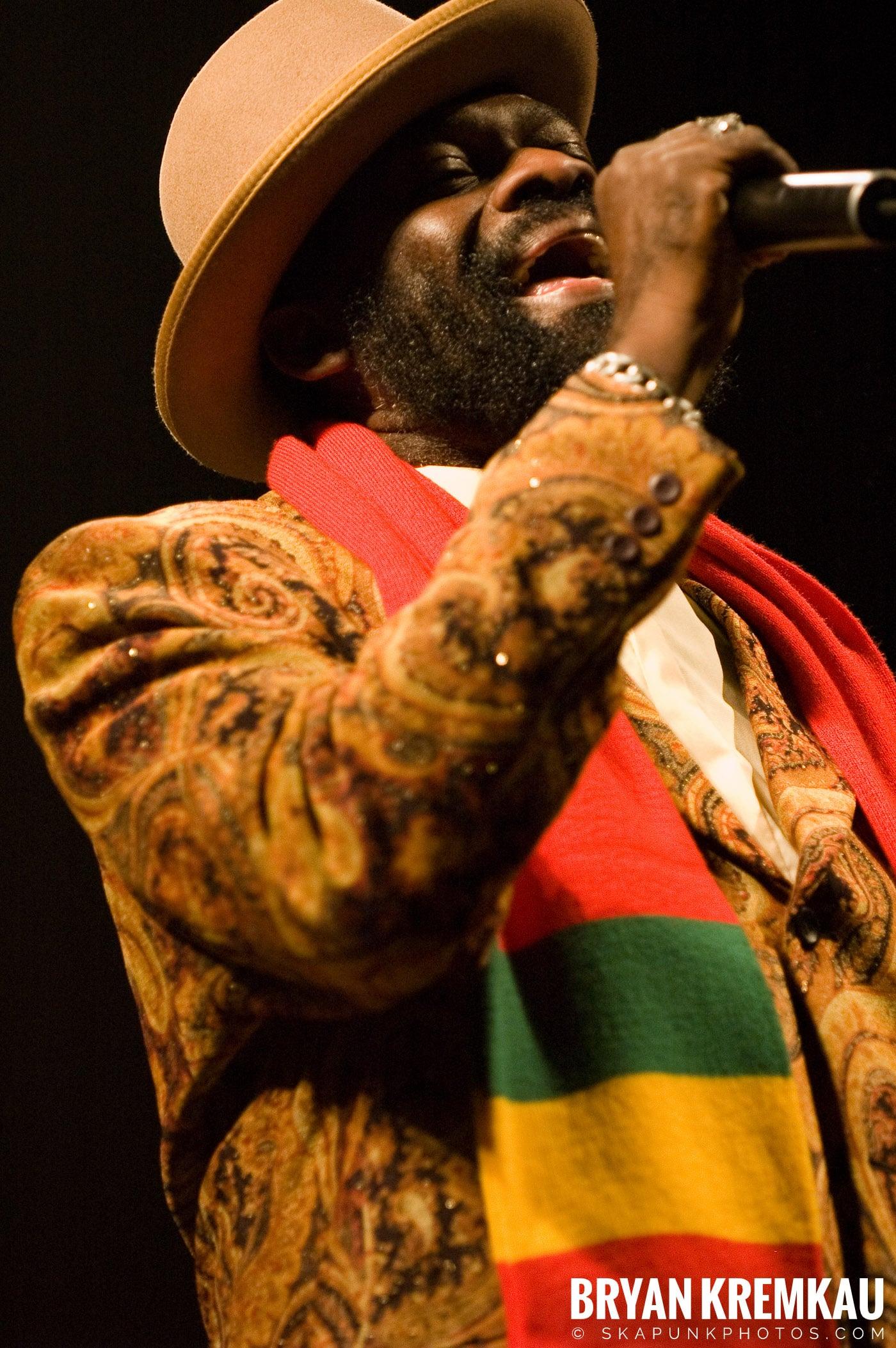 Jimmy Riley @ Vintage Reggae Fest - Hammerstein Ballroom, NYC - 12.16.07 (8)