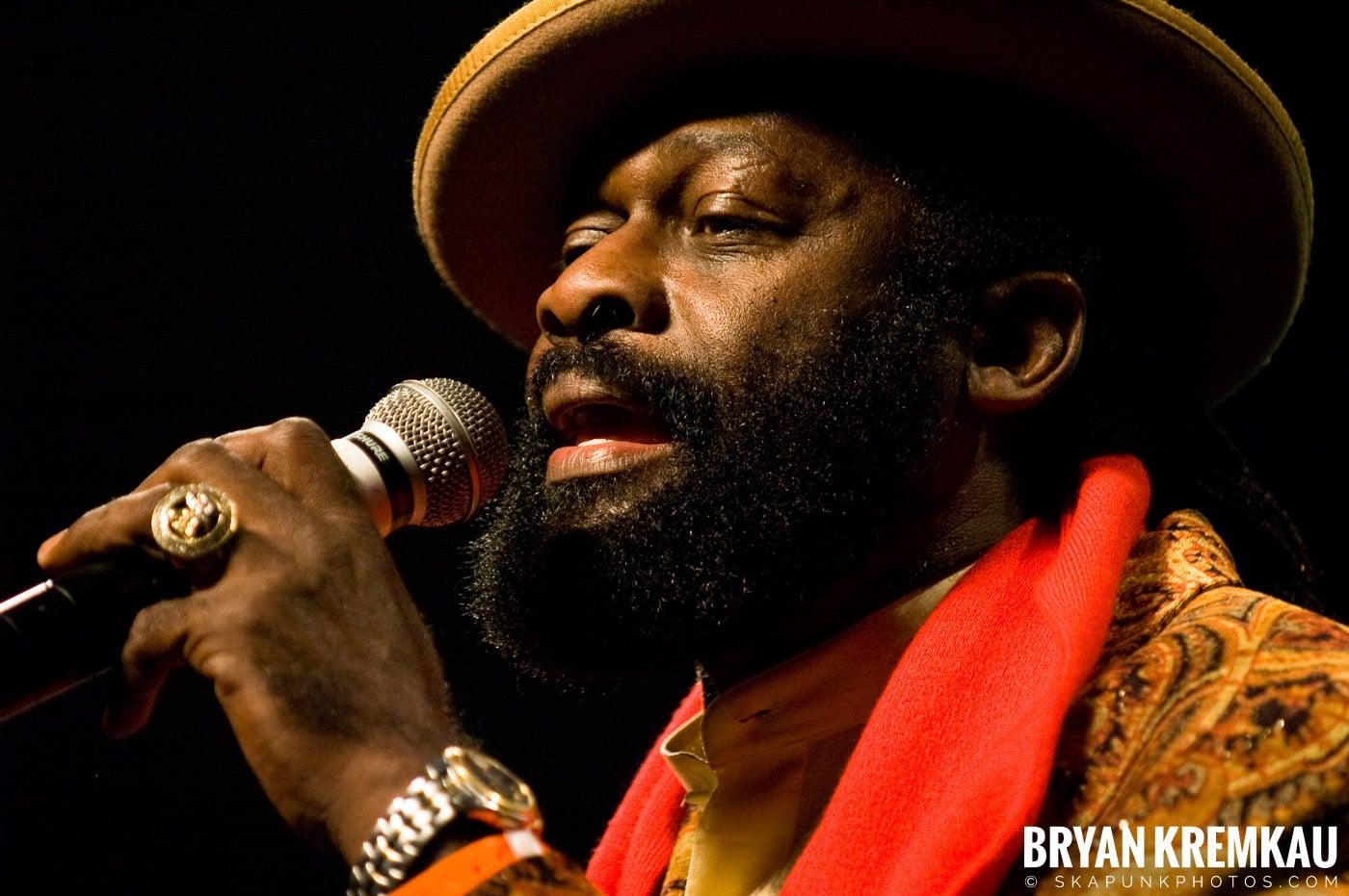 Jimmy Riley @ Vintage Reggae Fest - Hammerstein Ballroom, NYC - 12.16.07 (7)