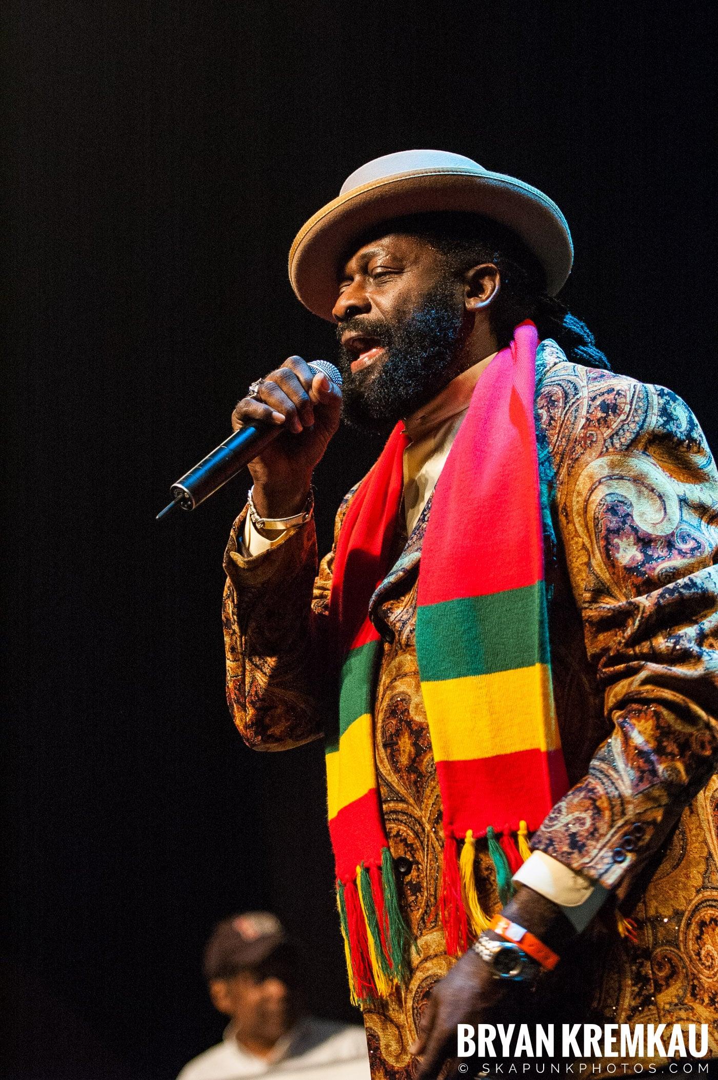 Jimmy Riley @ Vintage Reggae Fest - Hammerstein Ballroom, NYC - 12.16.07 (6)