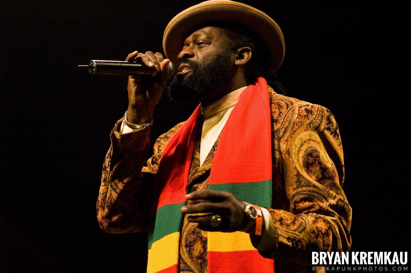 Jimmy Riley @ Vintage Reggae Fest - Hammerstein Ballroom, NYC - 12.16.07 (5)