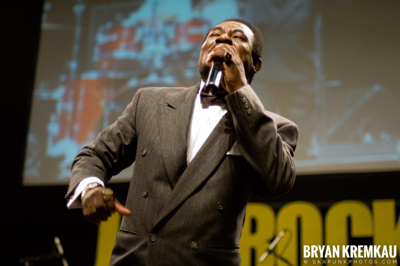 Pat Kelly @ Vintage Reggae Fest - Hammerstein Ballroom, NYC - 12.16.07 (15)