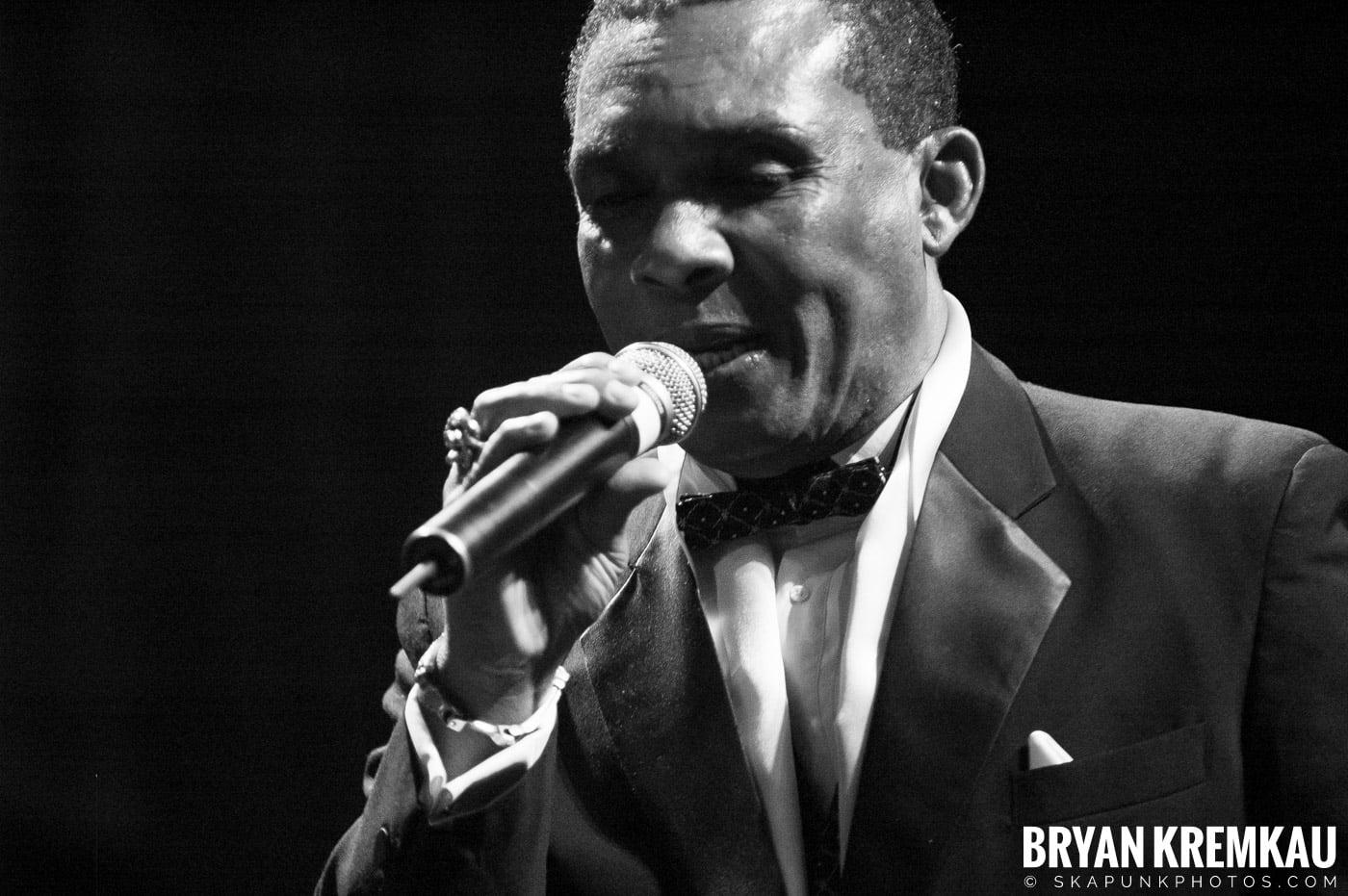 Ken Boothe @ Vintage Reggae Fest - Hammerstein Ballroom, NYC - 12.16.07 (13)