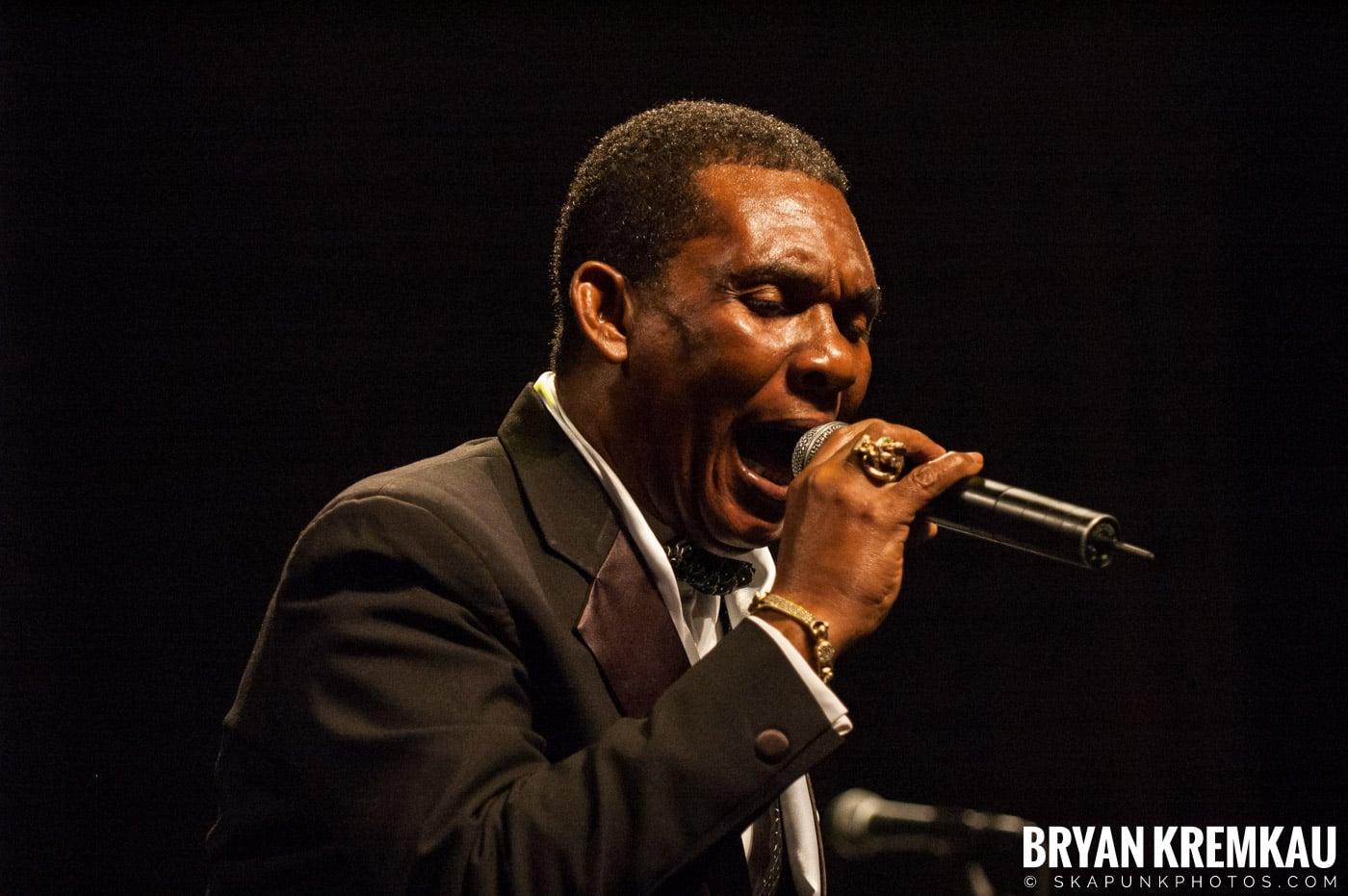 Ken Boothe @ Vintage Reggae Fest - Hammerstein Ballroom, NYC - 12.16.07 (11)