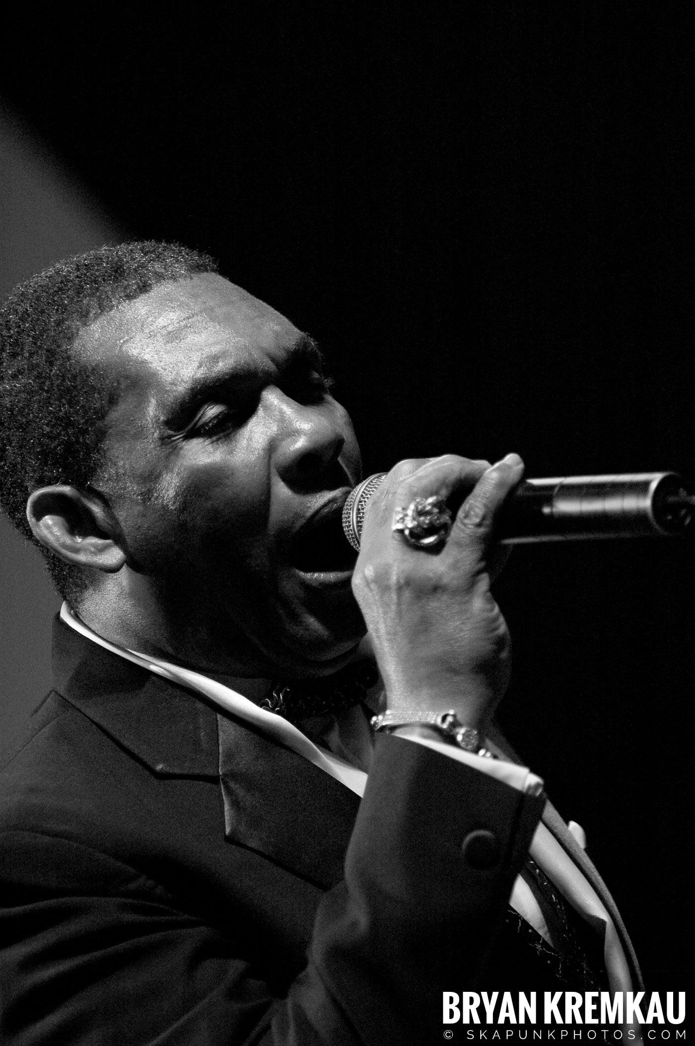 Ken Boothe @ Vintage Reggae Fest - Hammerstein Ballroom, NYC - 12.16.07 (10)