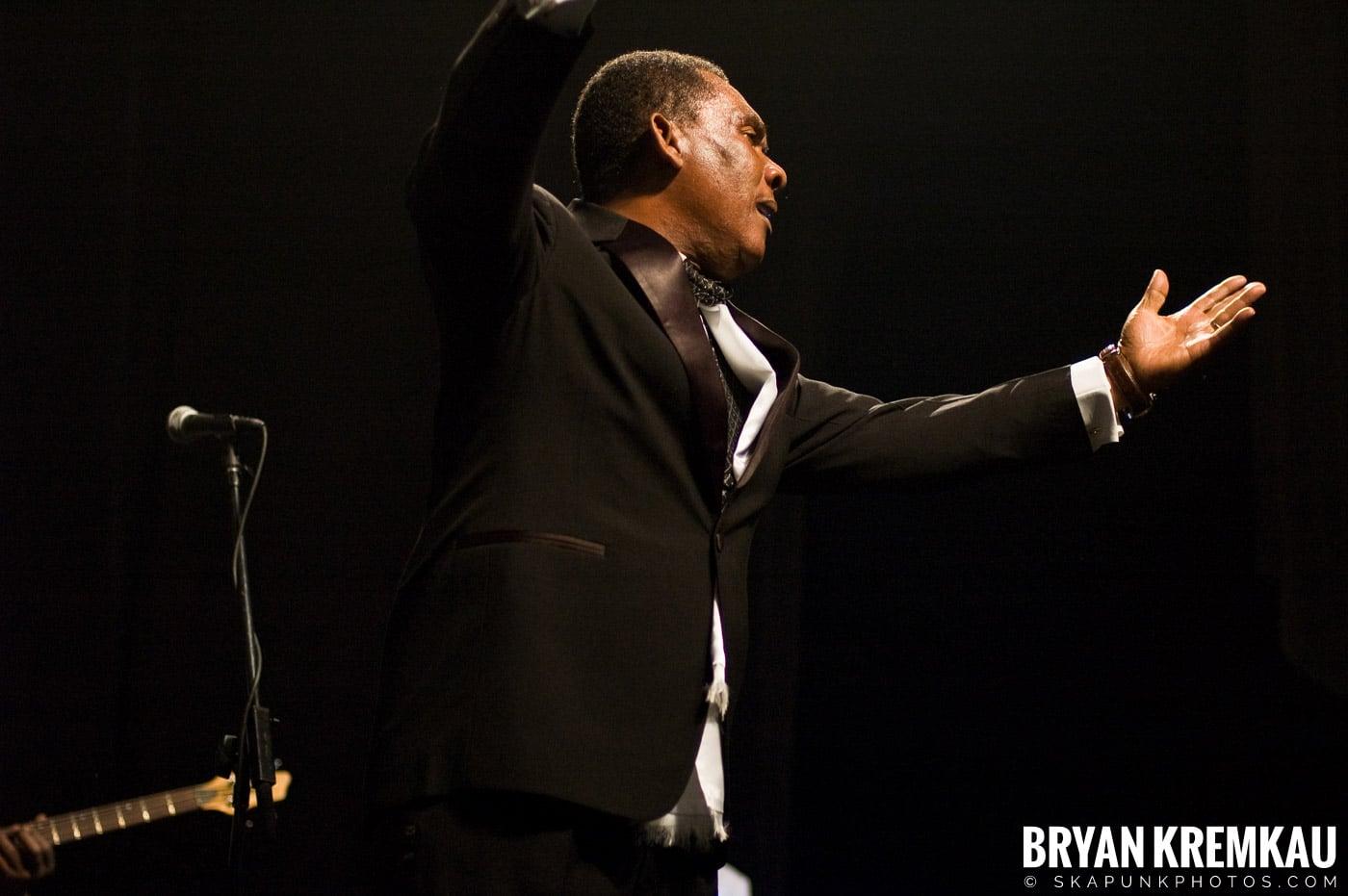 Ken Boothe @ Vintage Reggae Fest - Hammerstein Ballroom, NYC - 12.16.07 (5)
