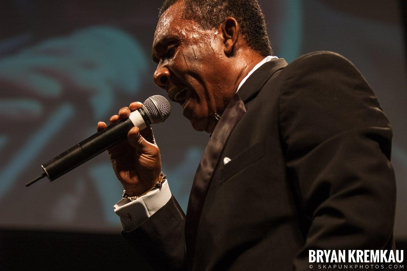 Ken Boothe @ Vintage Reggae Fest - Hammerstein Ballroom, NYC - 12.16.07 (3)