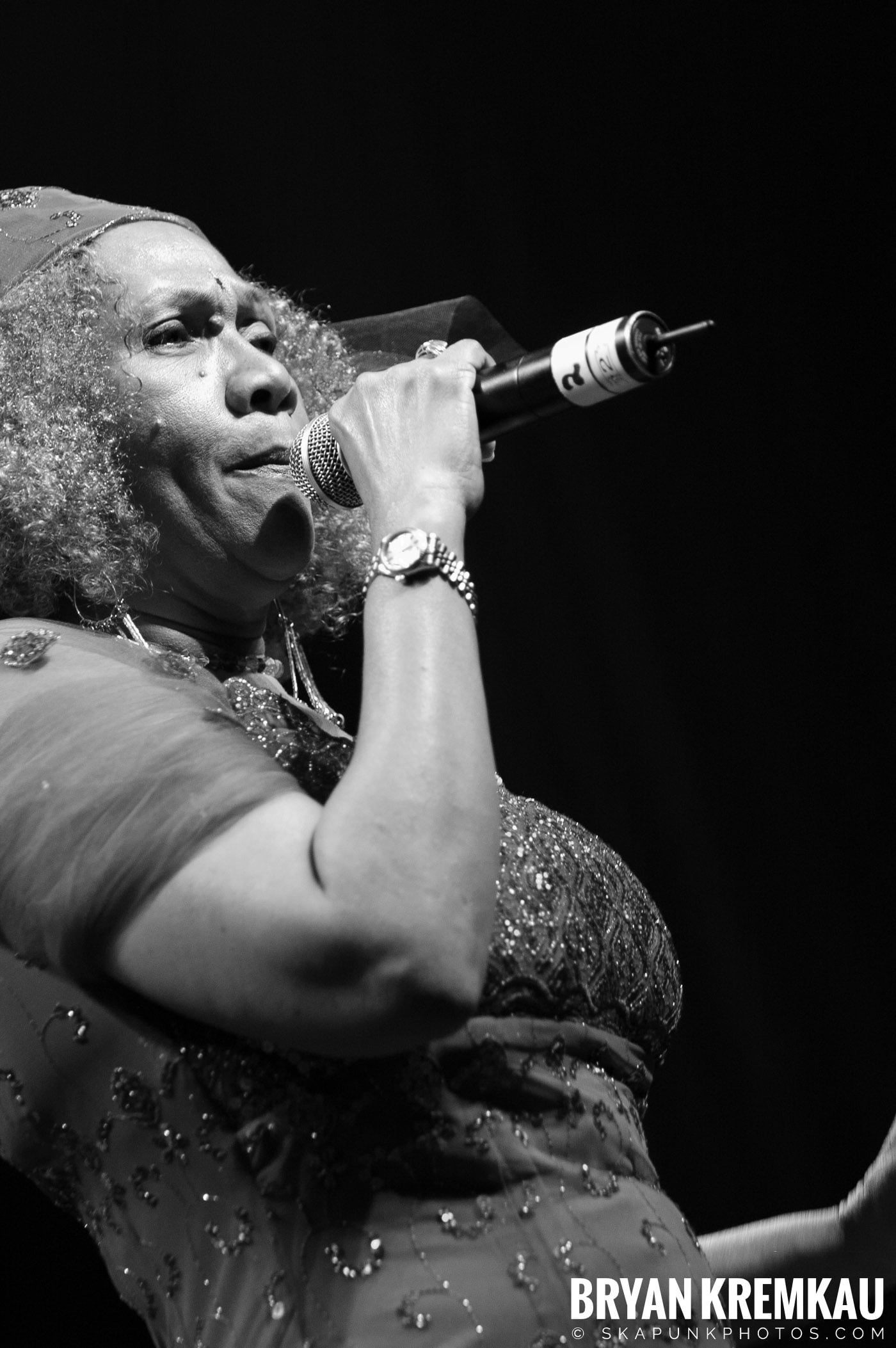 Marcia Griffiths @ Vintage Reggae Fest - Hammerstein Ballroom, NYC - 12.16.2007 (8)