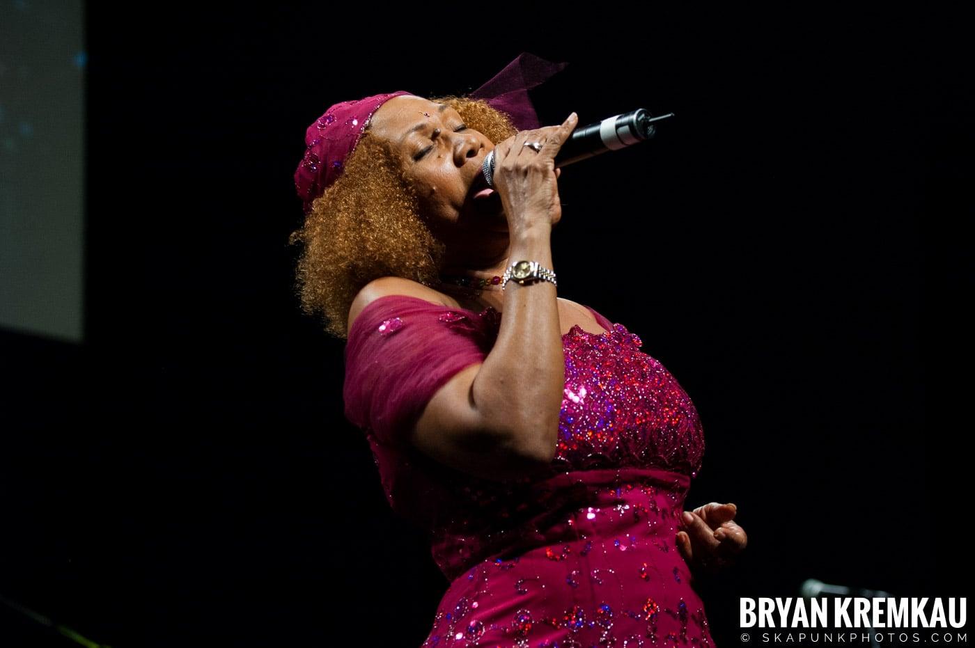 Marcia Griffiths @ Vintage Reggae Fest - Hammerstein Ballroom, NYC - 12.16.2007 (5)
