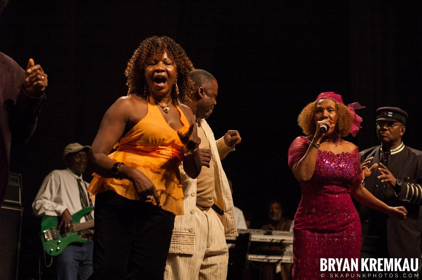Marcia Griffiths @ Vintage Reggae Fest - Hammerstein Ballroom, NYC - 12.16.2007 (1)