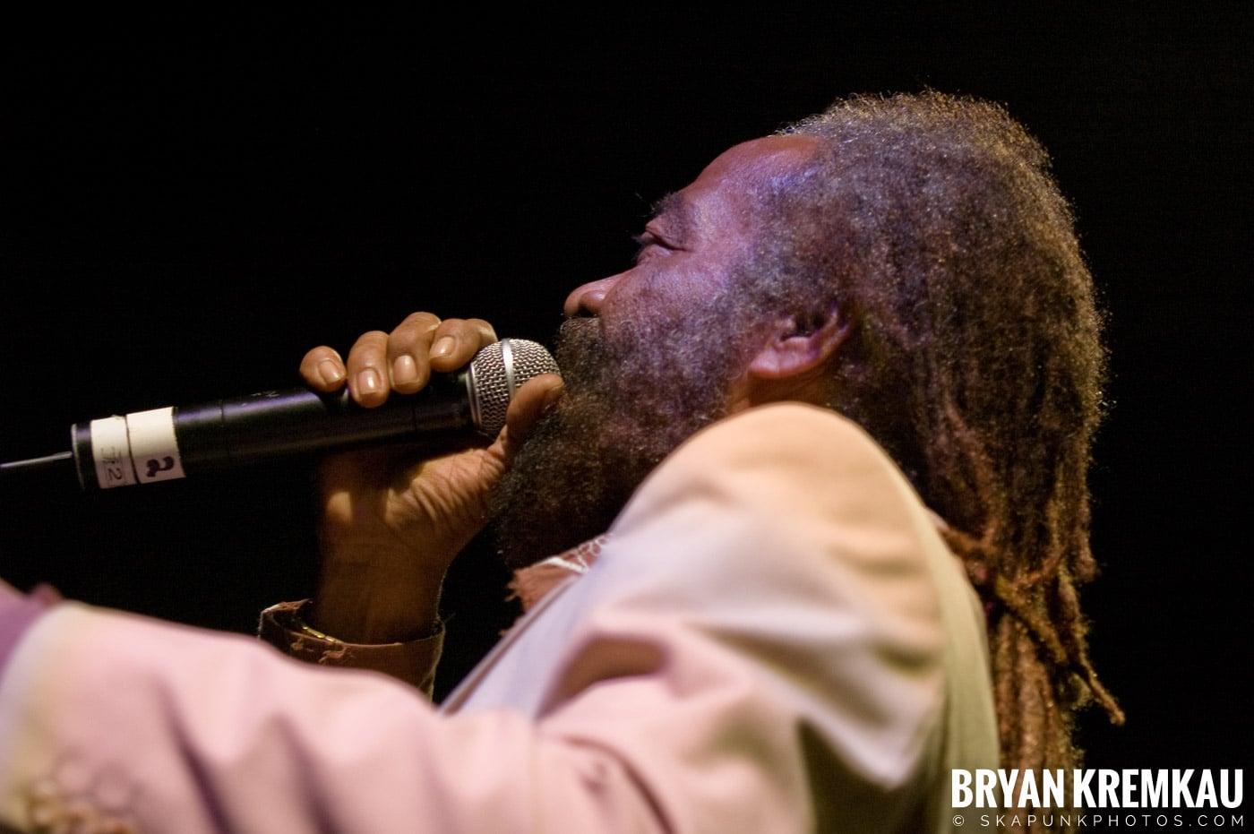 John Holt @ Vintage Reggae Fest - Hammerstein Ballroom, NYC - 12.16.07 (12)