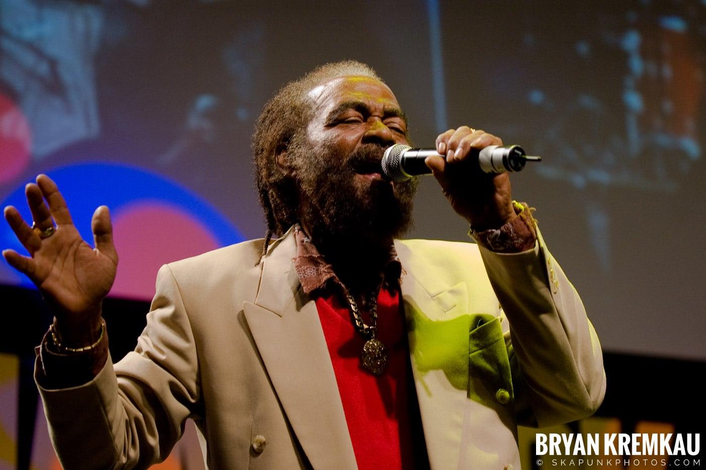 John Holt @ Vintage Reggae Fest - Hammerstein Ballroom, NYC - 12.16.07 (11)
