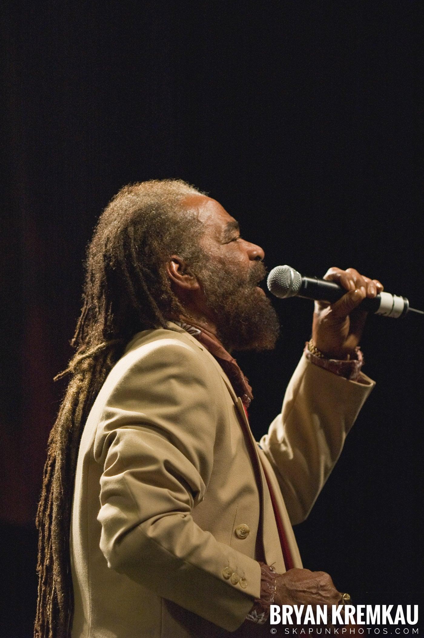 John Holt @ Vintage Reggae Fest - Hammerstein Ballroom, NYC - 12.16.07 (10)
