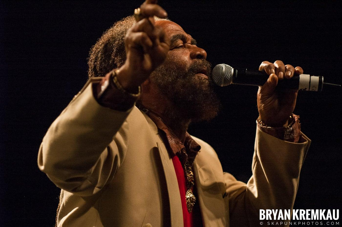 John Holt @ Vintage Reggae Fest - Hammerstein Ballroom, NYC - 12.16.07 (9)