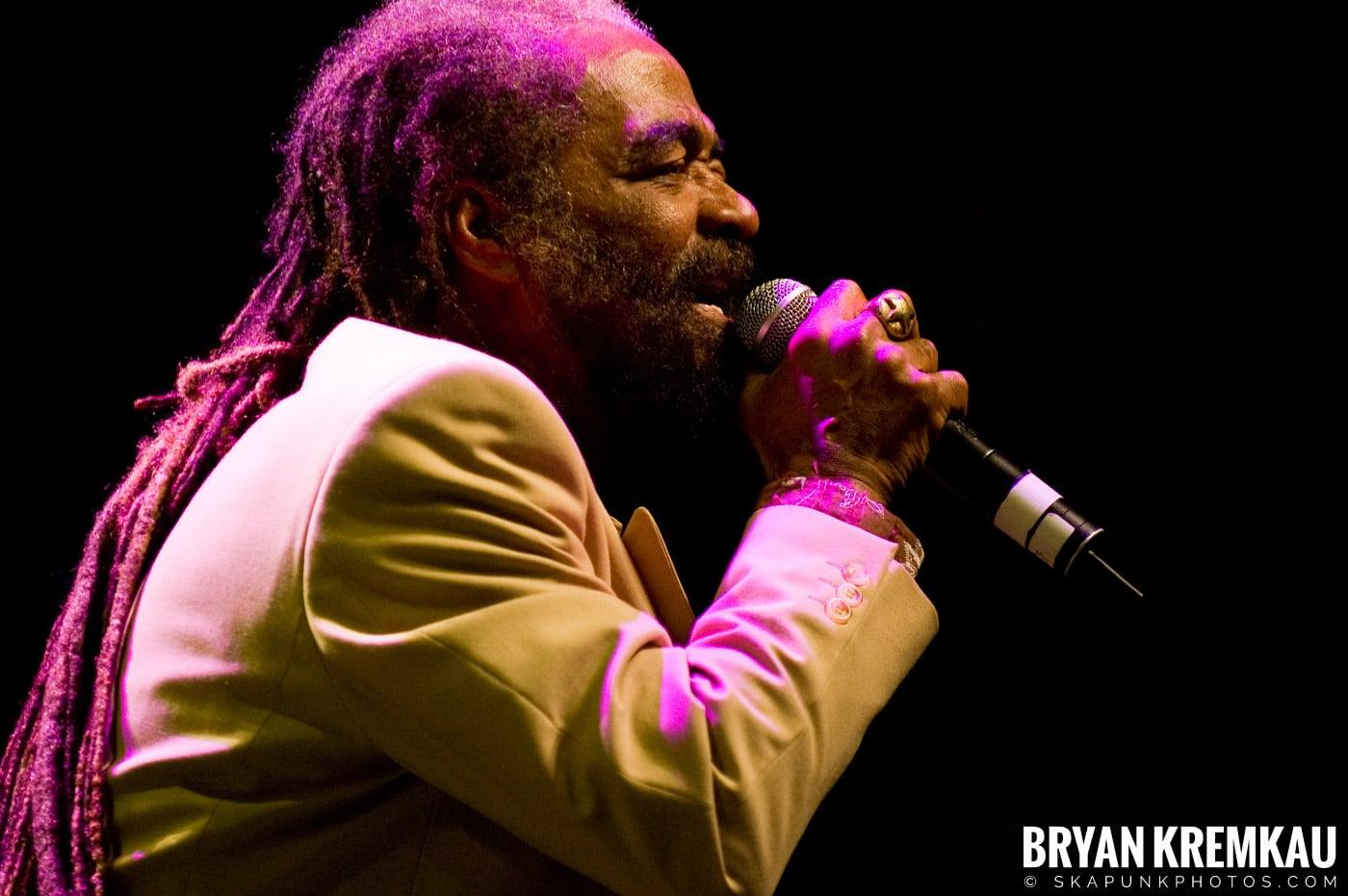 John Holt @ Vintage Reggae Fest - Hammerstein Ballroom, NYC - 12.16.07 (8)