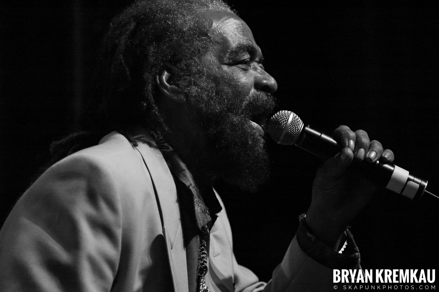 John Holt @ Vintage Reggae Fest - Hammerstein Ballroom, NYC - 12.16.07 (7)