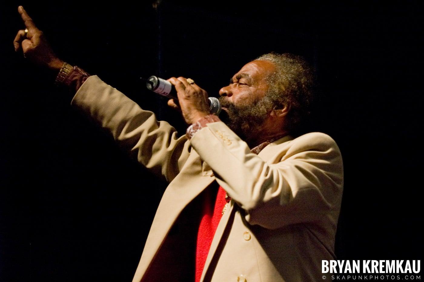 John Holt @ Vintage Reggae Fest - Hammerstein Ballroom, NYC - 12.16.07 (3)