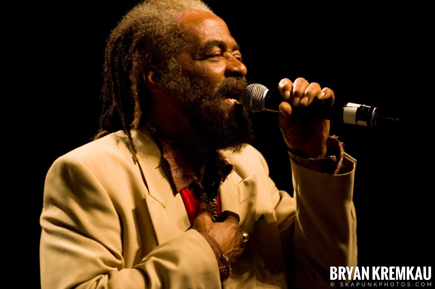 John Holt @ Vintage Reggae Fest - Hammerstein Ballroom, NYC - 12.16.07 (2)