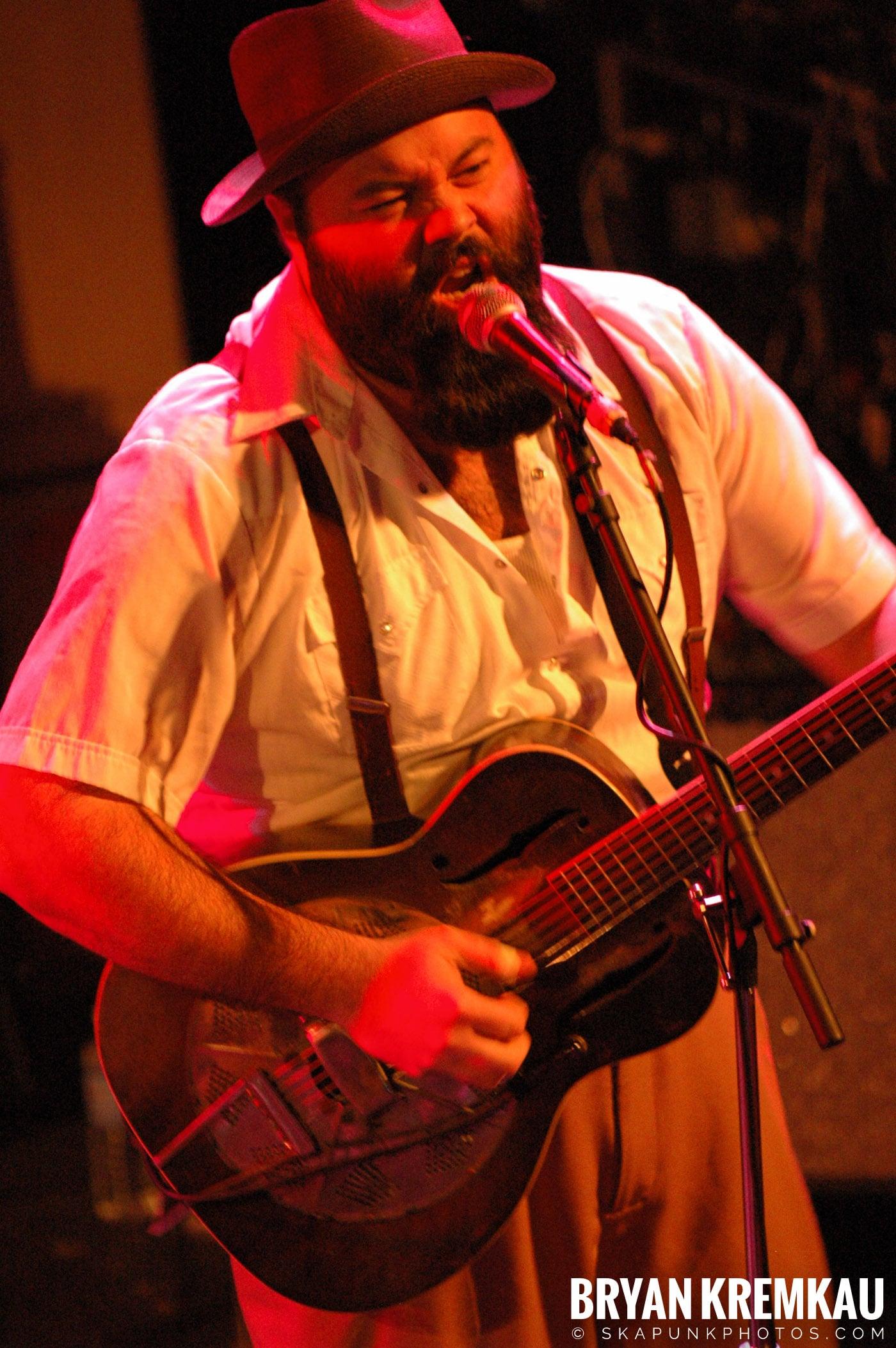 Rev. Peyton's Big Damn Band @ The Chance, Poughkeepsie NY - 2.21.08 (15)