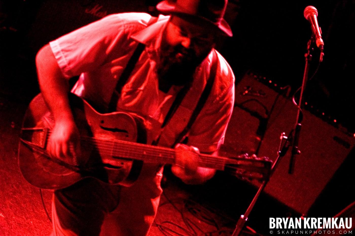 Rev. Peyton's Big Damn Band @ The Chance, Poughkeepsie NY - 2.21.08 (14)